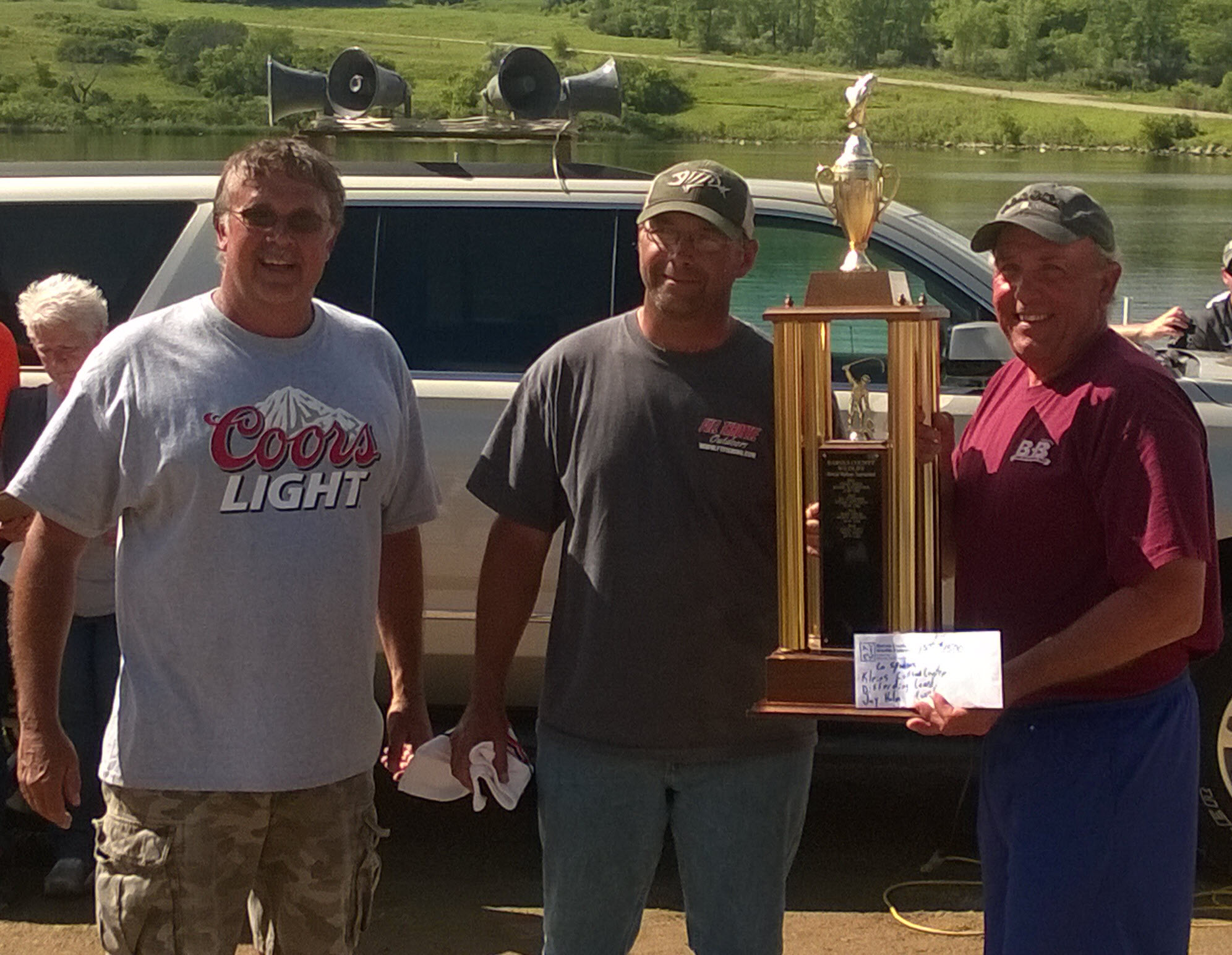 1ST PLACE TONY BUNDY & KEN DIDIER WITH PERRY KAPAUN